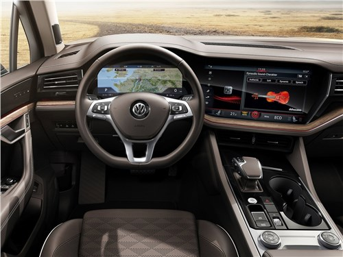 Volkswagen Touareg и Volvo XC90: скандинавский бестселлер отбивает атаки молодого «тевтонца» Touareg - Volkswagen Touareg 2019 салон