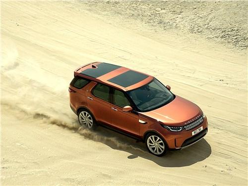 В переводе с английского слово land означает «земля», у слова rover несколько значений, хотя и близких по смыслу, – «странник», «скиталец», «бродяга»