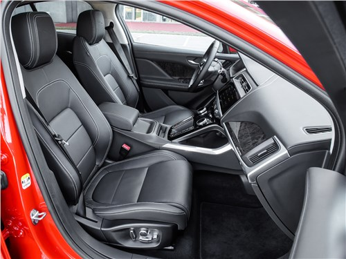 Jaguar I-Pace 2019 передние кресла