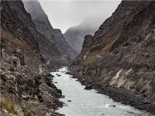 На правом берегу уже Афганистан