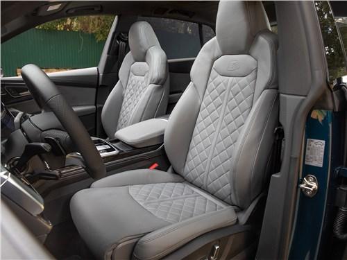 Audi Q8 2019 передние кресла