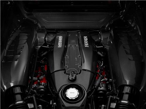 Предпросмотр ferrari f8 tributo 2020 двигатель