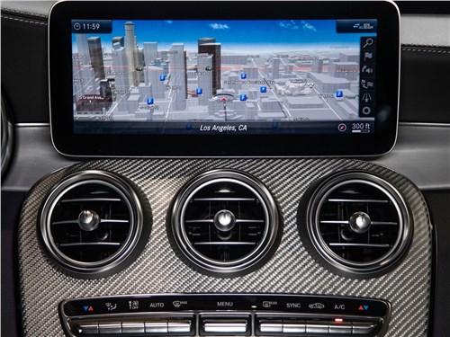 Предпросмотр mercedes-benz c63 s amg sedan 2019 дисплей