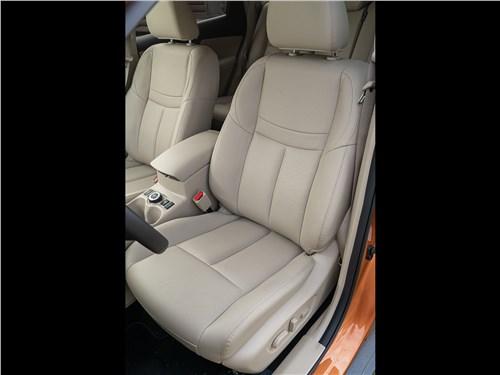 Nissan X-Trail 2018 передние кресла