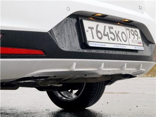 Hyundai Elantra 2019 задний бампер