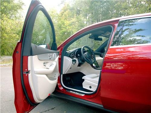 Mercedes-Benz GLC Coupe 2020 передняя дверь