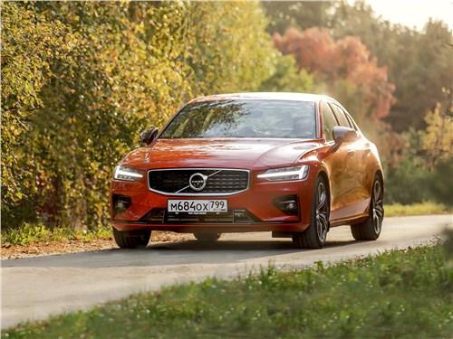 Volvo S60 - как volvo s60 2019 маскирует спортивные замашки