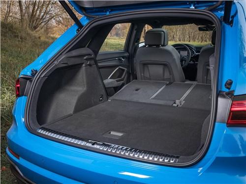 Audi Q3 2019 багажное отделение