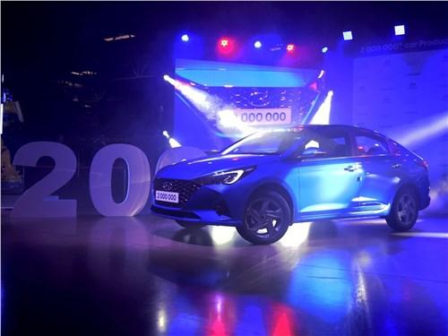 Битва концепций Solaris - Hyundai Solaris 2020 вид сбоку