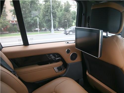 Land Rover Range Rover Autobiography 2018 дисплеи для задних пассажиров
