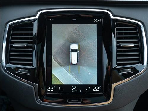 Volvo XC90 2020 монитор