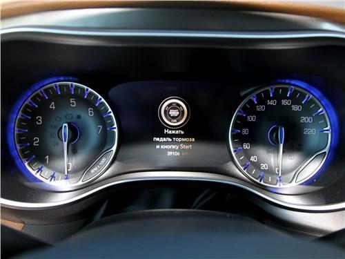 Chrysler Pacifica 2021 приборная панель