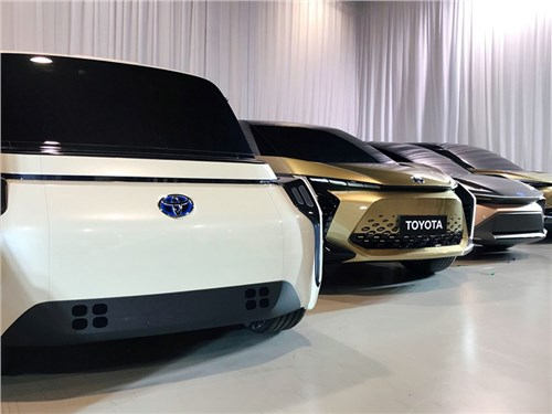 Новость про Toyota - Toyota собирается совершить электрическую революцию