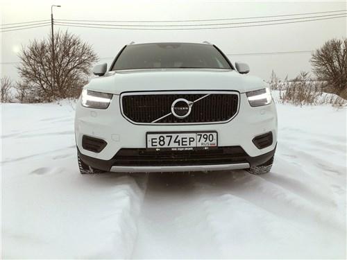 Volvo XC40 - volvo xc40 (2018) испытание зимой