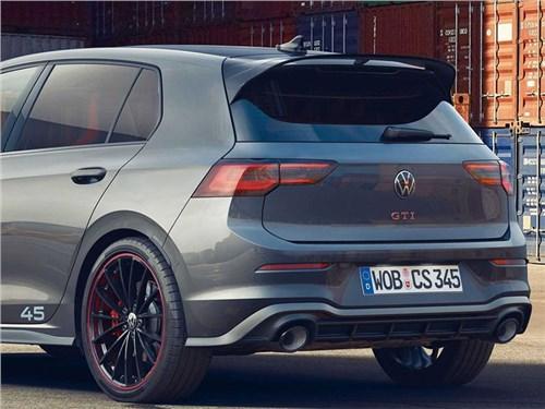 Новость про Volkswagen Golf GTI - Volkswagen отпраздновал 45-летие модели Golf GTI