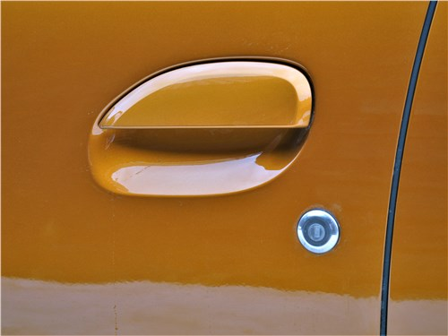 Предпросмотр renault duster (2021) ручка двери