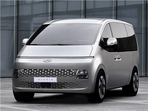 Hyundai Staria (2022) вид спереди
