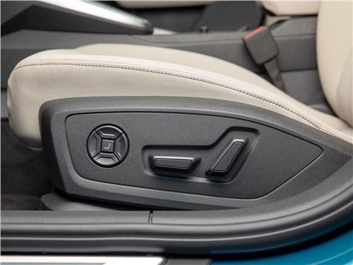 Audi A3 (2021) передние кресла