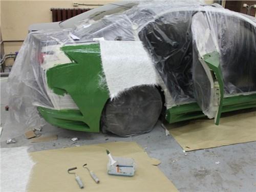 Новость про BMW - В BMW построили автомобиль из вторсырья