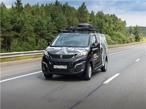 Peugeot Traveller (2018) «французский багет» взамен отечественной «буханки»