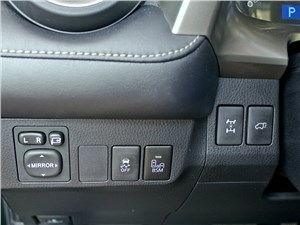 Toyota RAV4 2013 кнопка блокировки дифференциала