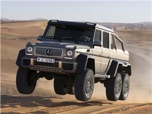 Mercedes-Benz представил в Германии шестиколесный внедорожник