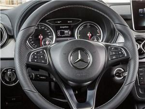 Предпросмотр mercedes-benz b-klasse 2015 руль