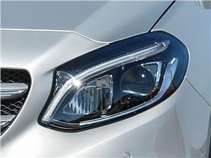 Mercedes-Benz B-Klasse 2015 передняя фара