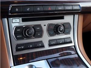 Jaguar XF 2011 кнопки управления