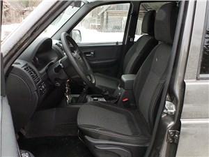 UAZ Patriot 2014 передние кресла