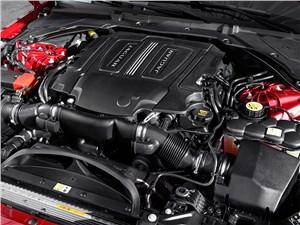 Jaguar XE 2015 двигатель
