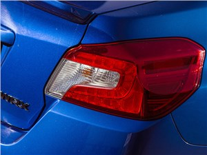 Subaru WRX 2015 задний фонарь