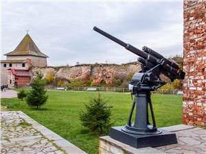 Даже в XX веке цитадель служила оборонительным сооружением