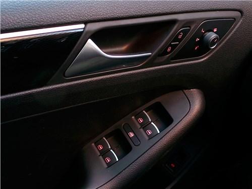 Предпросмотр volkswagen jetta 2015 кнопки на двери