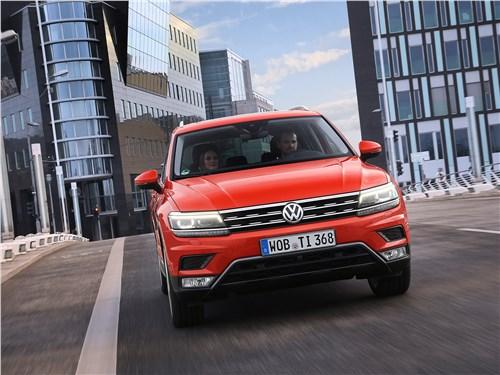 Volkswagen Tiguan 2017 вид спереди