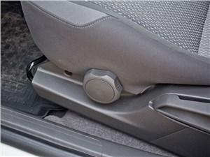 Chevrolet Cobalt 2013 регулировка сидений
