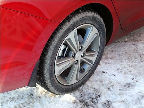 Hyundai Solaris 2017 переднее колесо
