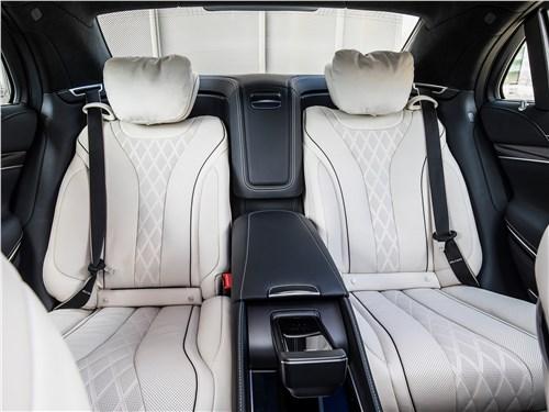 Mercedes-Benz S-Class 2018 кресла для пассажиров