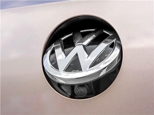 Volkswagen Passat Variant 2015 камера заднего вида