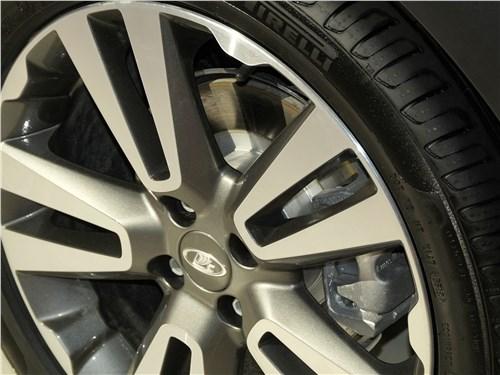 Предпросмотр lada vesta cross 2018 переднее колесо