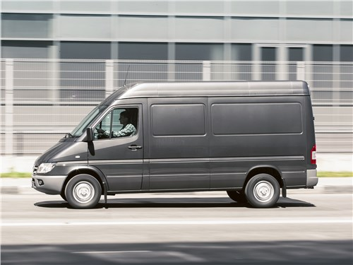 Mercedes-Benz Sprinter 2018 вид сбоку