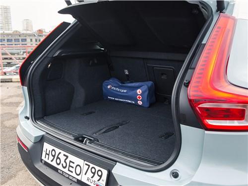 Предпросмотр volvo xc40 2018 багажное отделение
