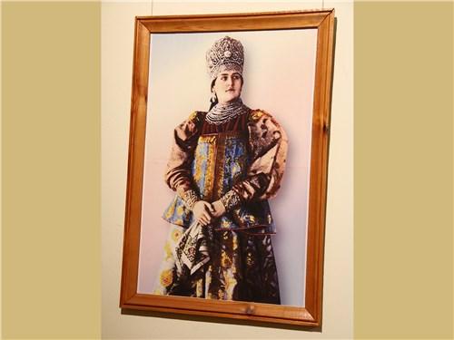 О подобных нарядах мечтали многие русские женщины позапрошлого столетия
