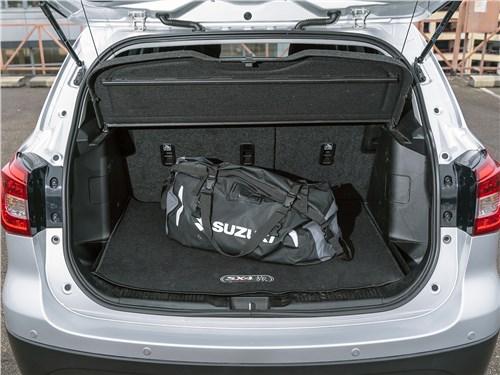 Предпросмотр suzuki sx4 2016 багажное отделение