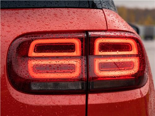 Предпросмотр citroen c5 aircross hybrid 2020 задние фонари
