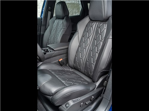 Предпросмотр peugeot 3008 2017 передние кресла