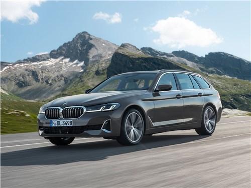 От большого к большему: Volvo S60, BMW 5, Mercedes S-класс, Audi A8, Porsche Panamera 5 series - BMW 5-Series Touring 2021 вид спереди