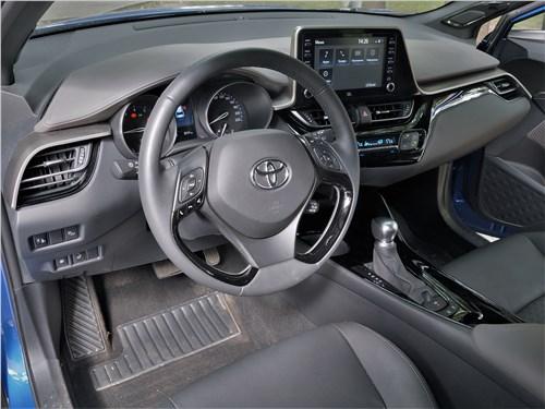 Toyota C-HR 2020 салон