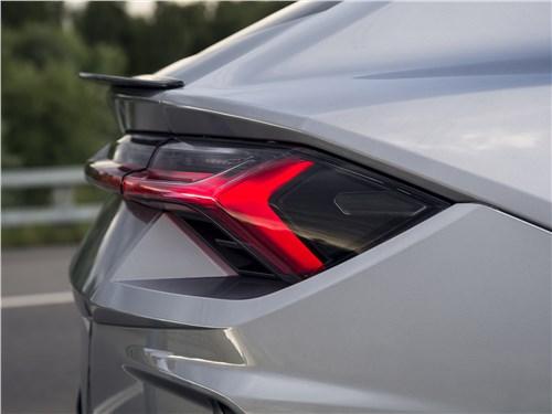 Lamborghini Urus 2019 задний спойлер