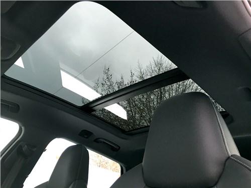 Audi e-tron (2020) панорамная крыша